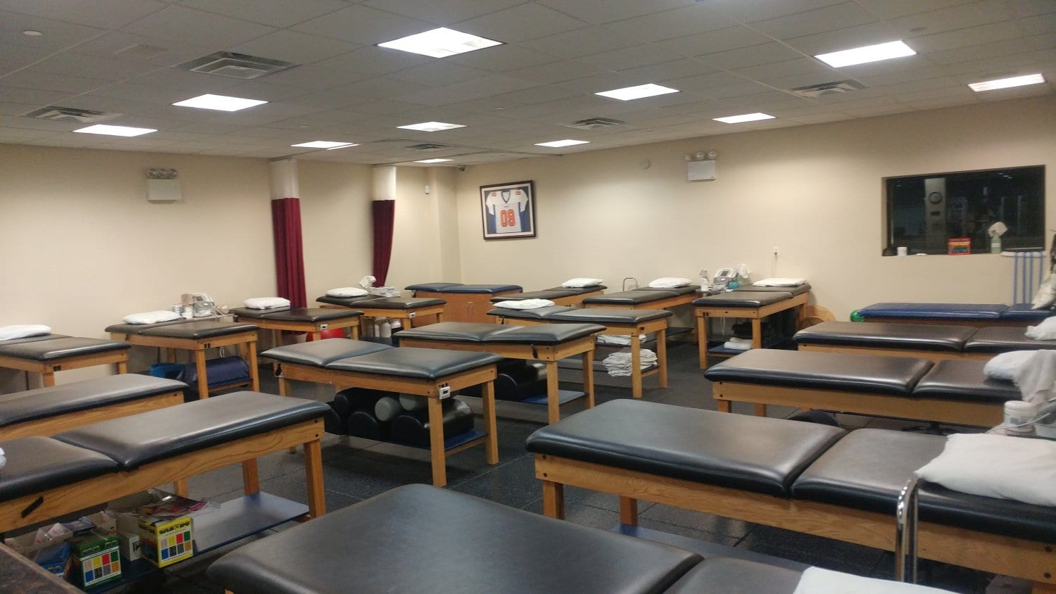 An image of clean, well maintained stretch beds at our physical therapy clinic in Bayside Whitestone, New York.