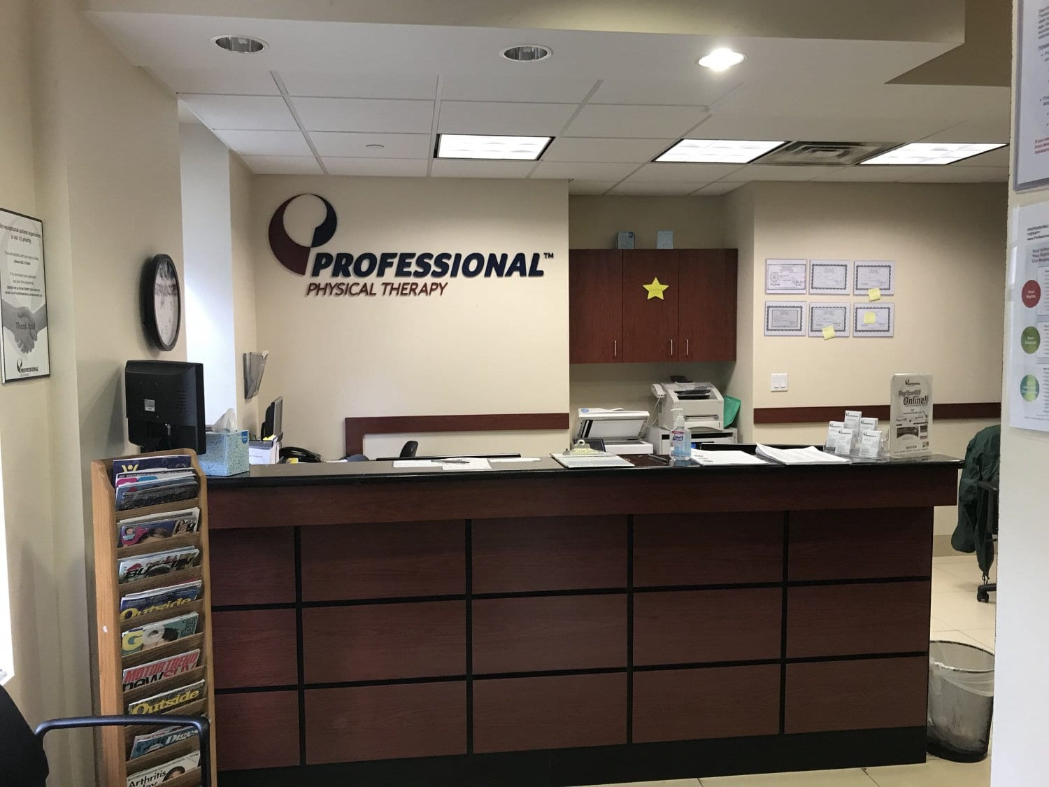 An image of the desk at our physical therapy clinic in Manhattan, New York City, at the Upper East Side on 84th st.