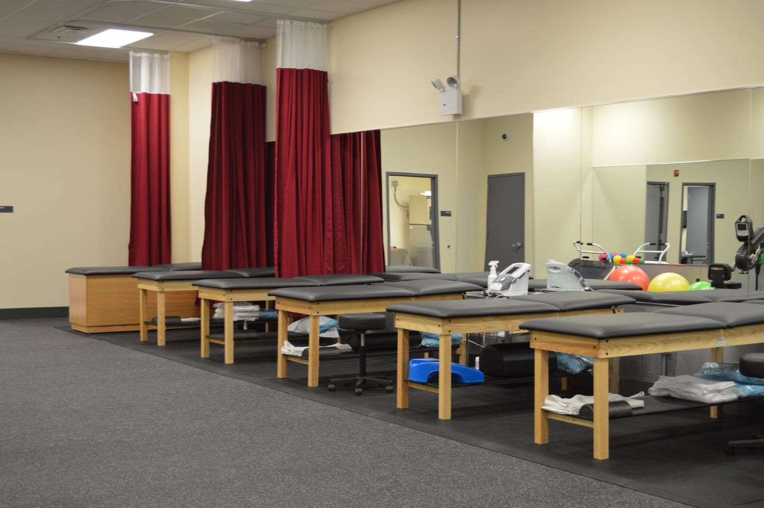 Here is an image of six well maintained stretch beds at our physical therapy clinic in Parsippany, New Jersey. These beds are great for increasing flexibility.