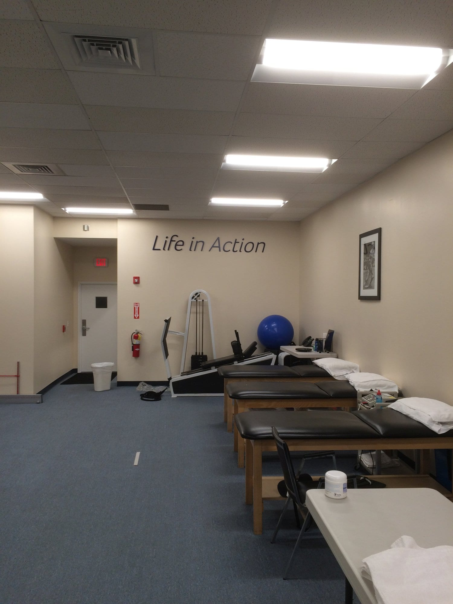 An image of three stretch beds at our physical therapy clinic in Norwalk, Connecticut. Stretch beds are great for increasing flexibility.