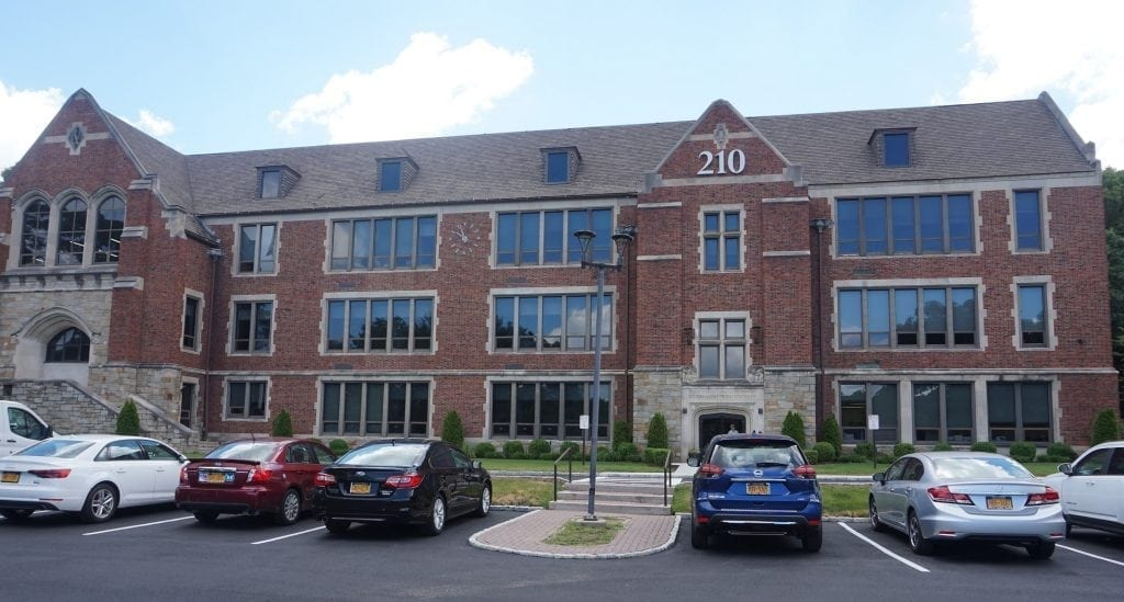 An image of the exterior of our physical therapy clinic in Hartsdale, New York.