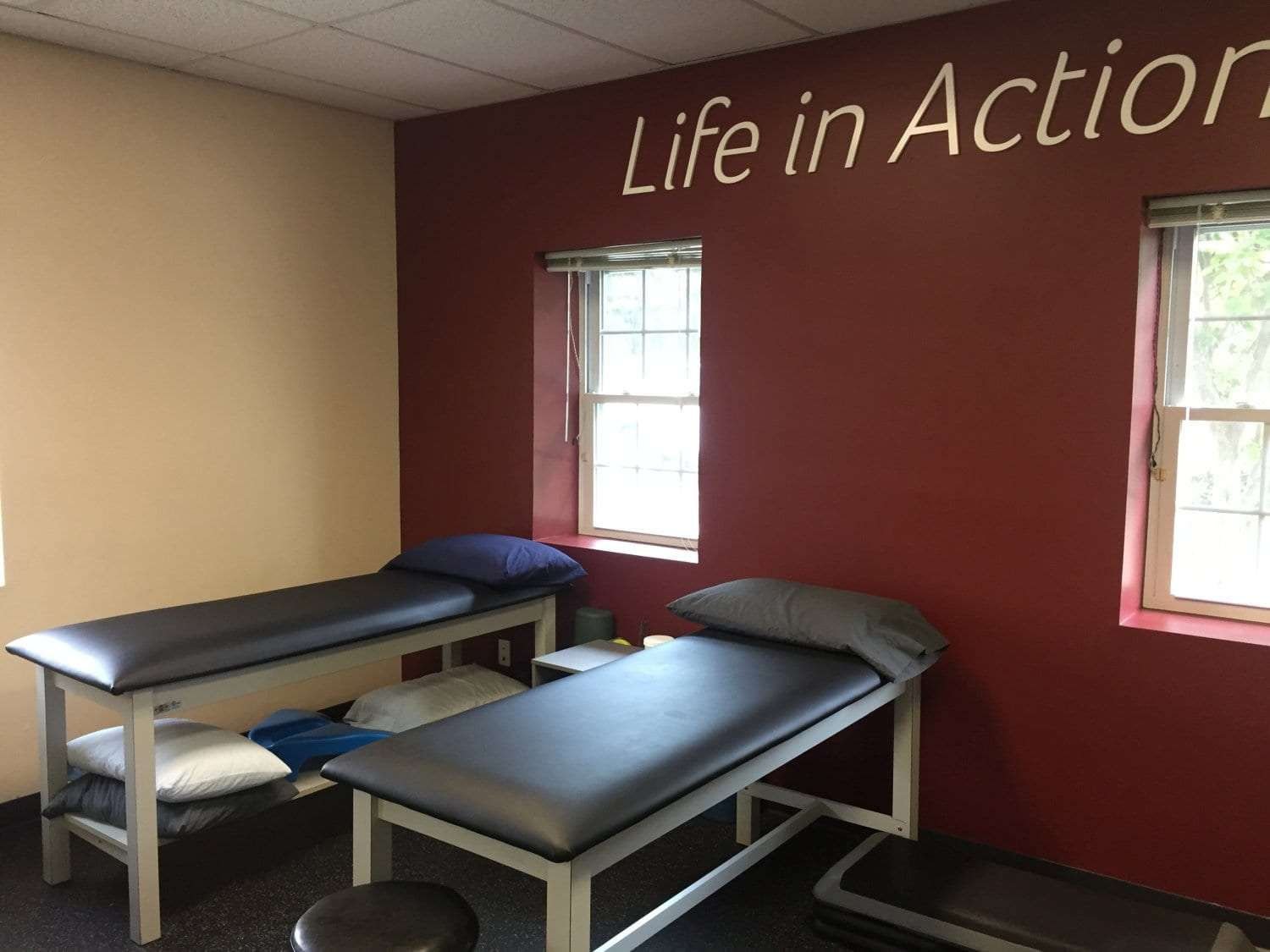 Here is an image of two stretch beds at our physical therapy clinic in Medford, New York in Long Island in Suffolk County.