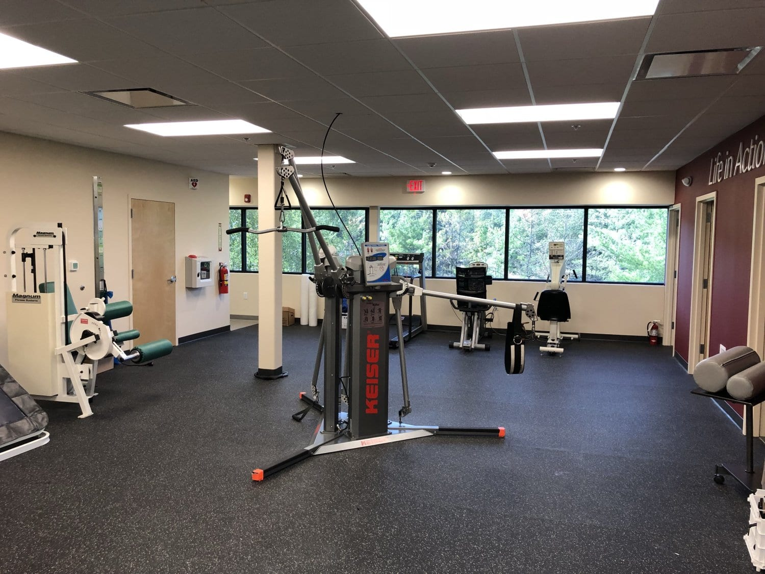 This is a photo of an exercise machine used in physical therapy at our clinic in Randolph, New Jersey.