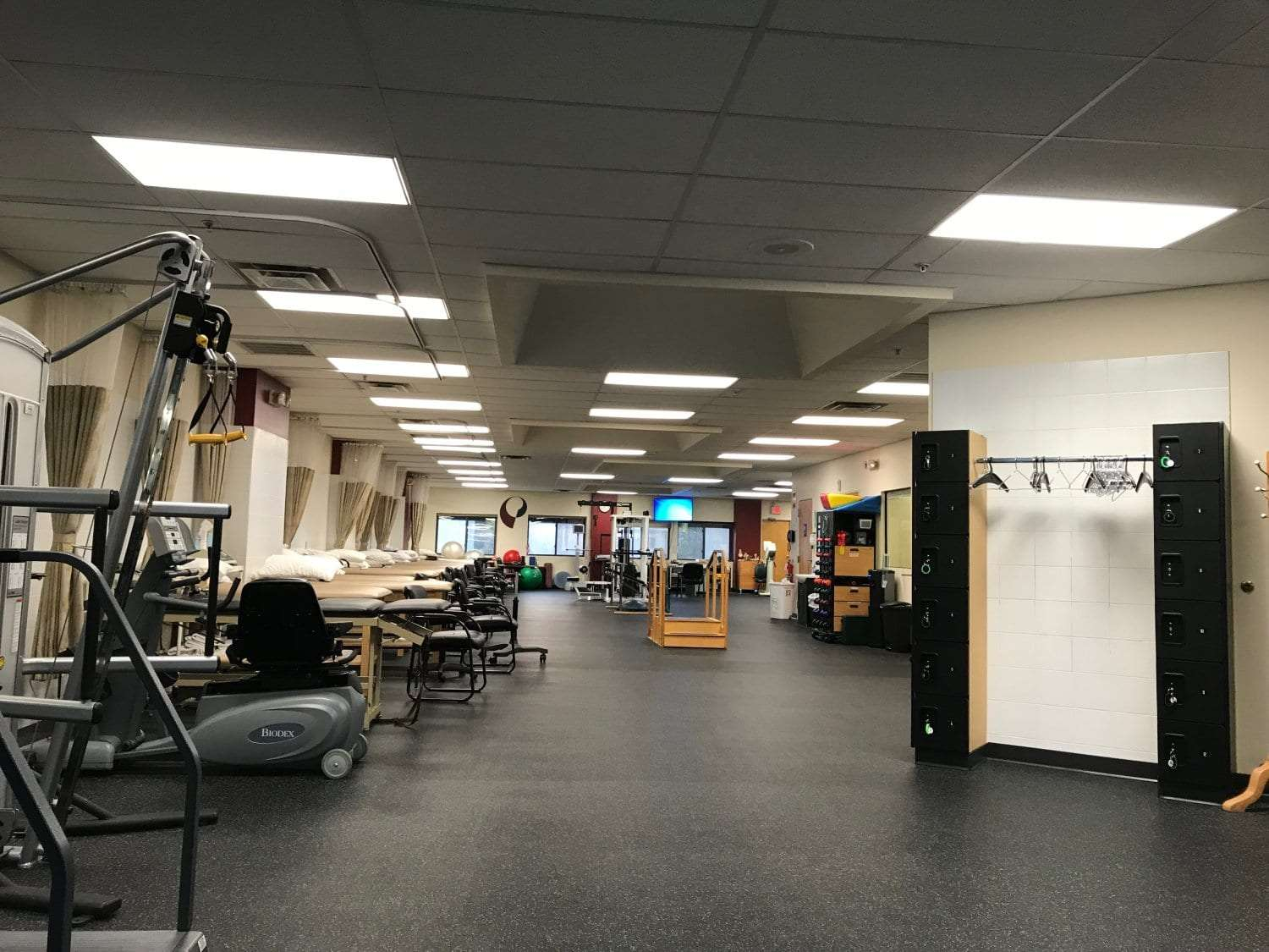 An image of our clean physical therapy clinic in Cliffside Park, New Jersey.