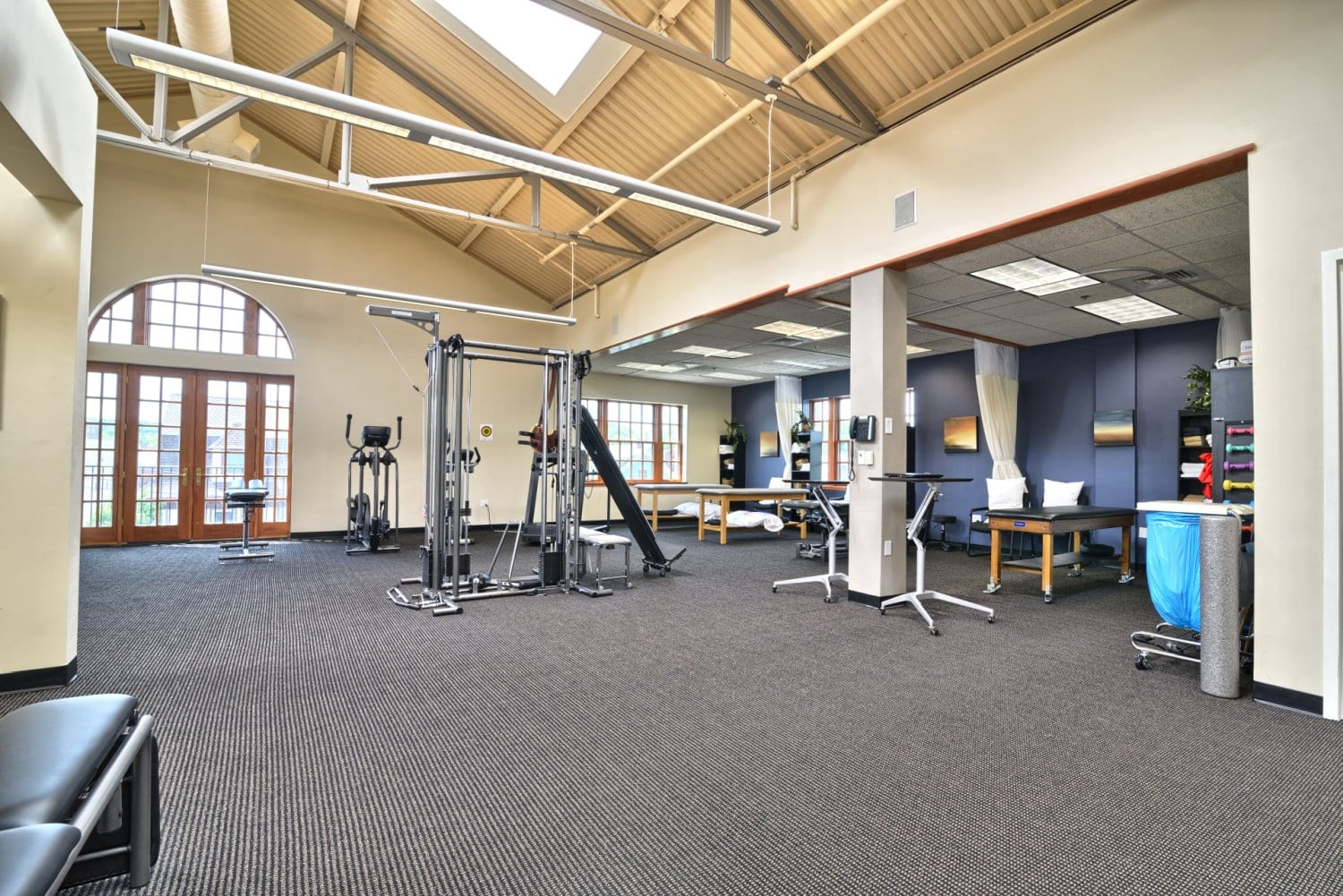 An image of the interior of our physical therapy clinic in Arlington, Massachusetts.