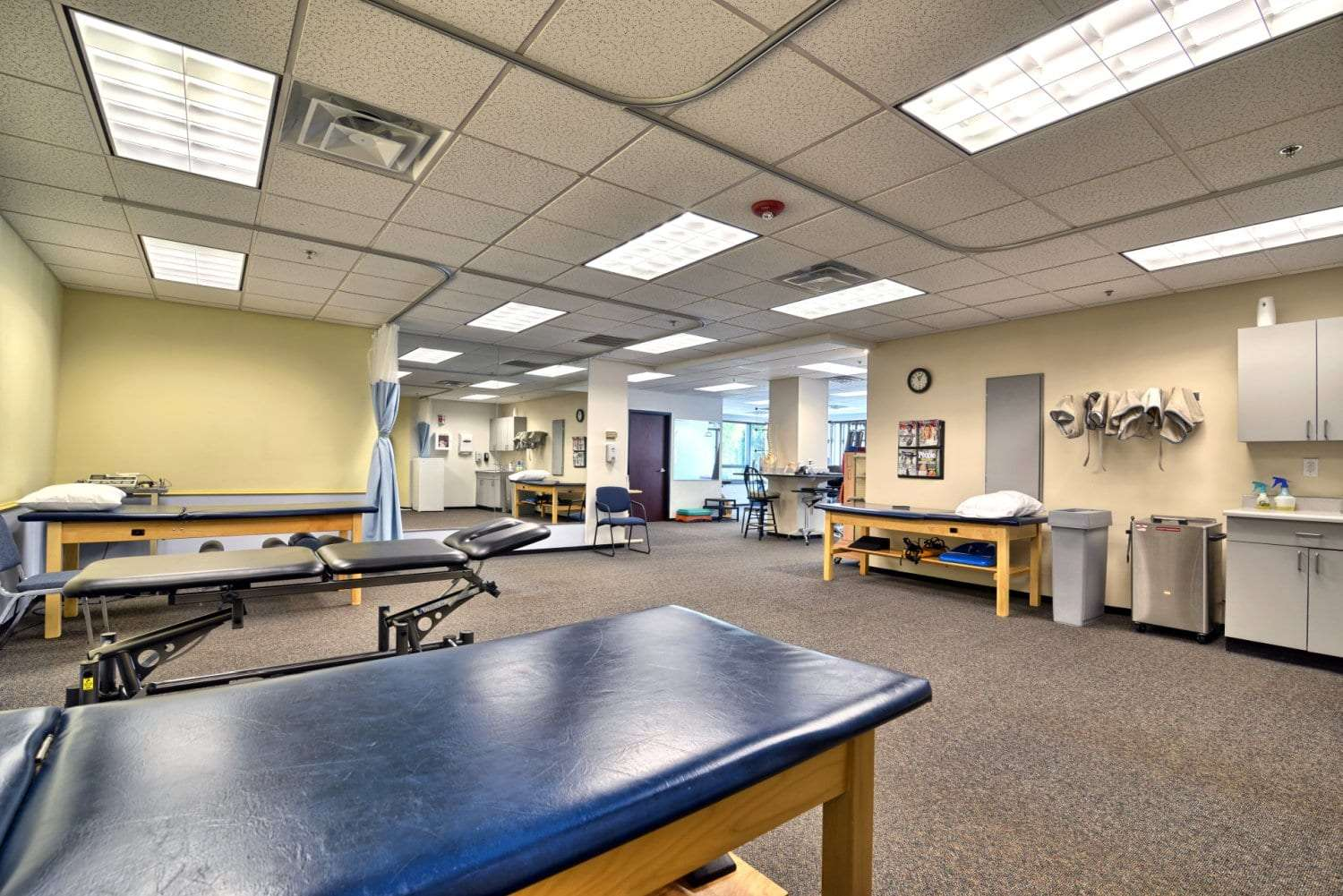 An image of the interior of our physical therapy clinic in Beverly, Massachusetts.