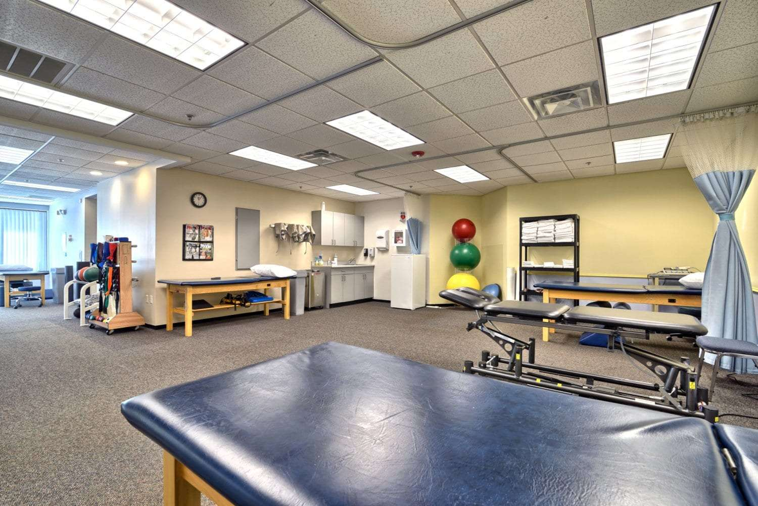A photo of our physical therapy clinic's interior at the facility in Beverly, Massachusetts.