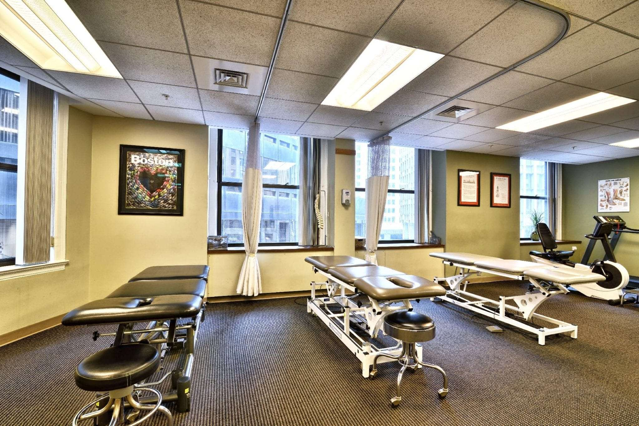 This image shows our clean stretch beds used at our physical therapy clinic in Boston, Massachusetts.