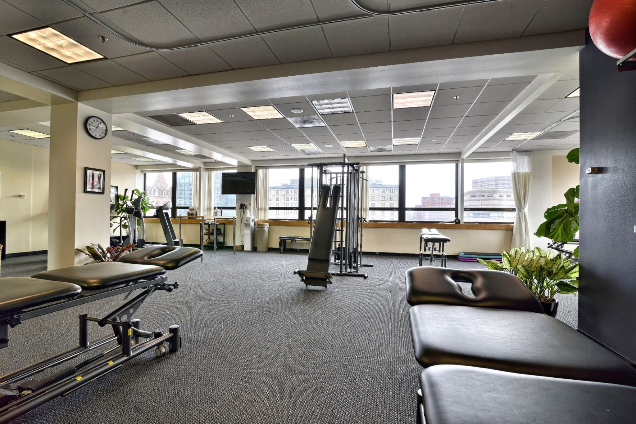 An image of our clean physical therapy clinic in Boston, Massachusetts.