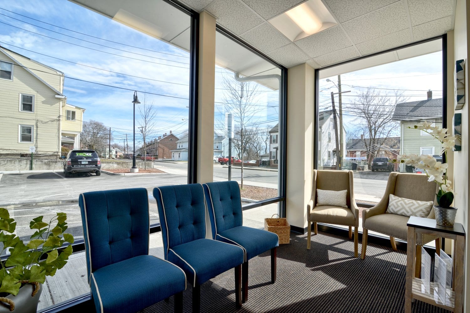 An image of the patient waiting area at our physical therapy clinic in Waltham, Massachusetts.