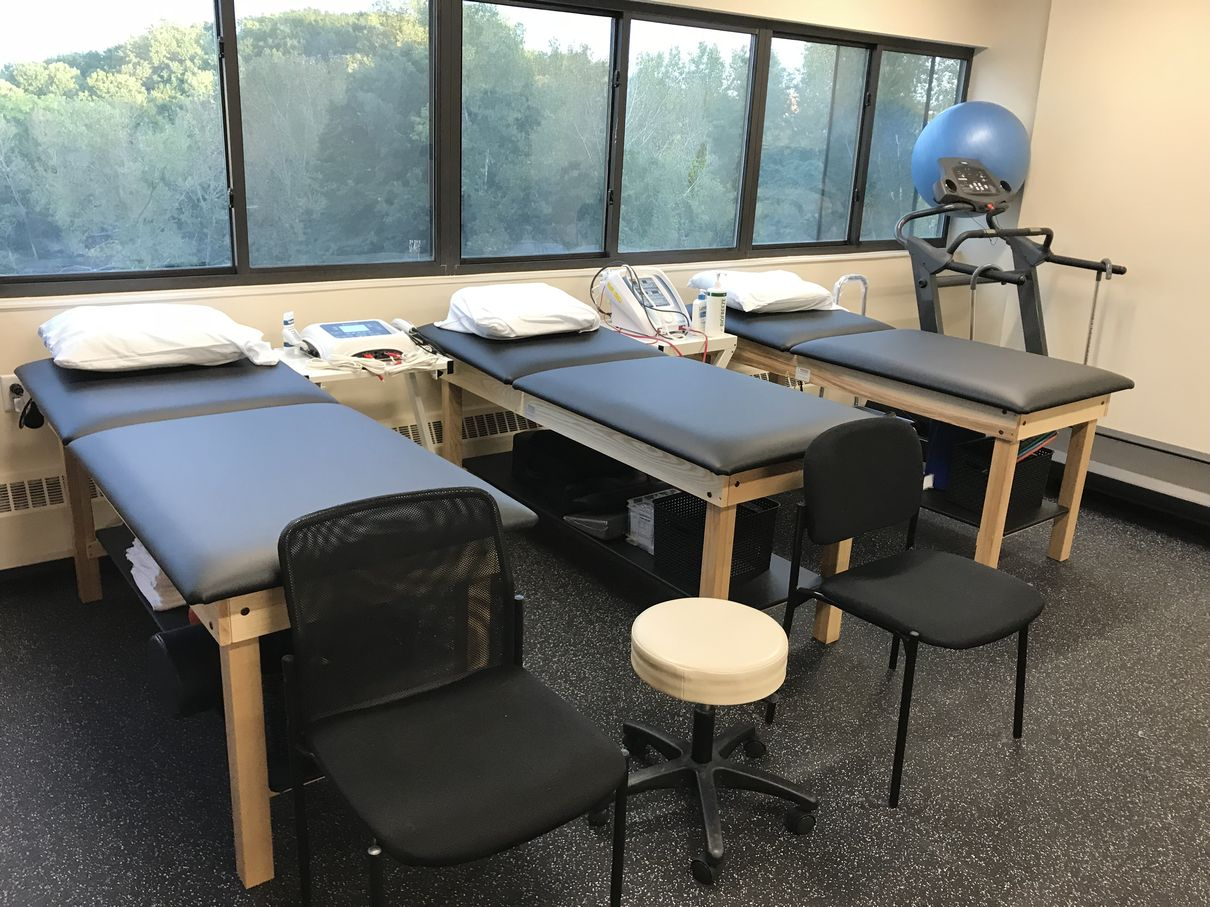 Treatment tables at our Yonkers, NY physical therapy and sports medicine clinic.