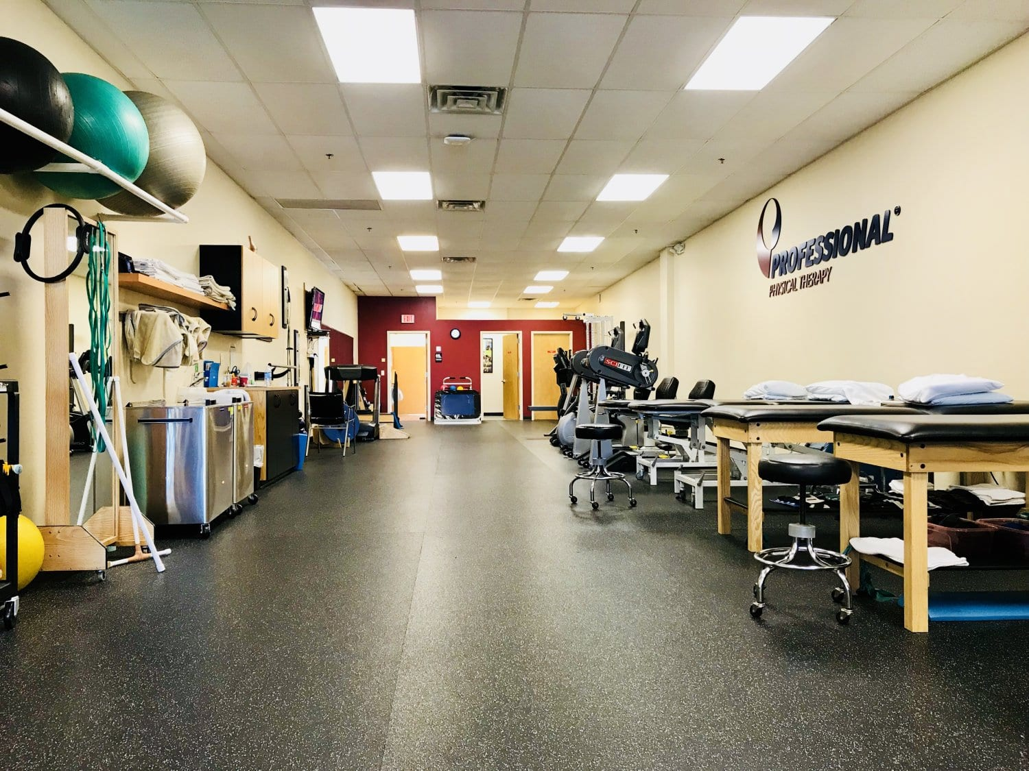 This is a shot showcasing our clean physical therapy clinic in Wayne, New Jersey.