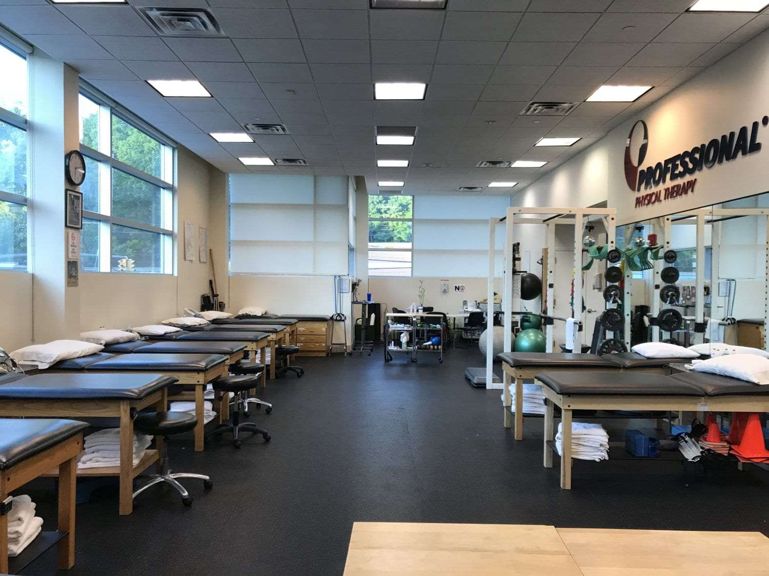 Here is an image of our clean training area at our physical therapy clinic in Great Neck, New York.