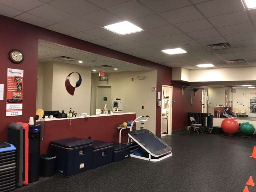 White Plains NY physical therapy clinic reception and rehabilitation room.