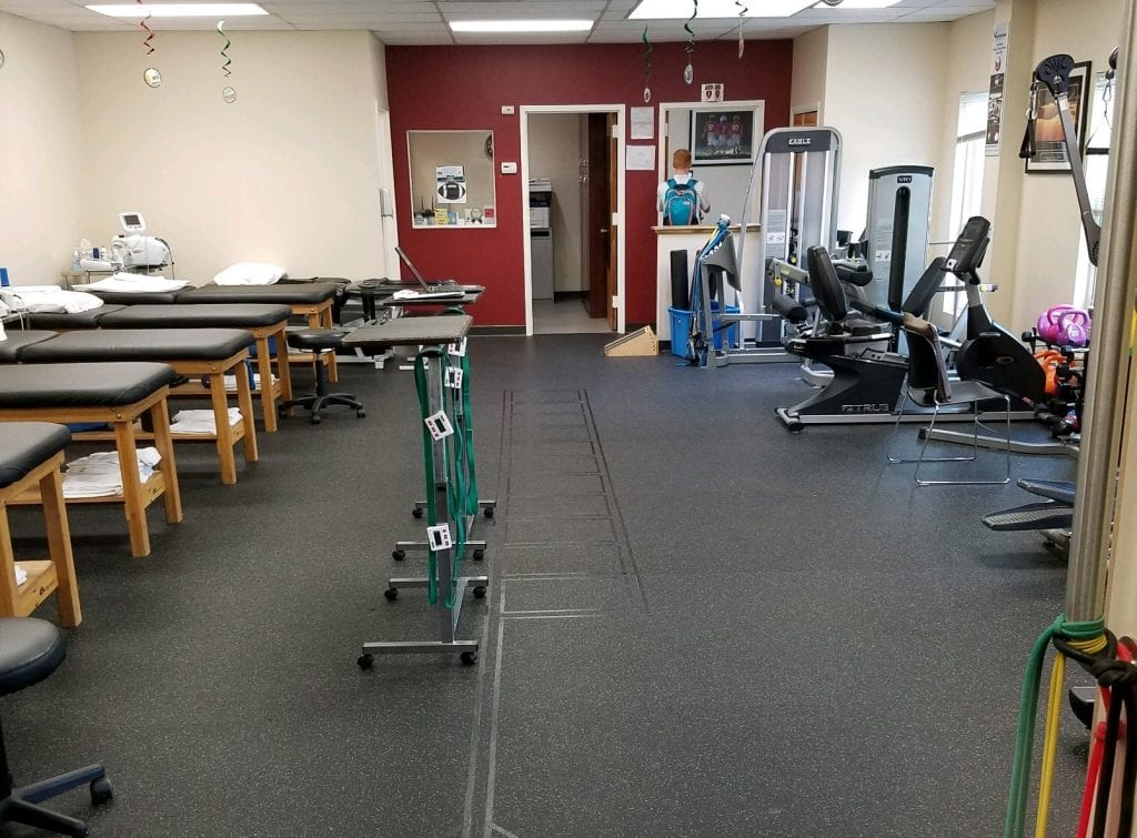 Main room at our Smithtown, NY sports medicine and physical therapy clinic.