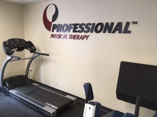 An image of a treadmill at our physical therapy clinic in lower Manhattan, New York City at City Hall.