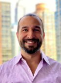 Headshot of clinic director and physical therapist Farzad Irani at the Manhattan, NYC East 77th St pt clinic.
