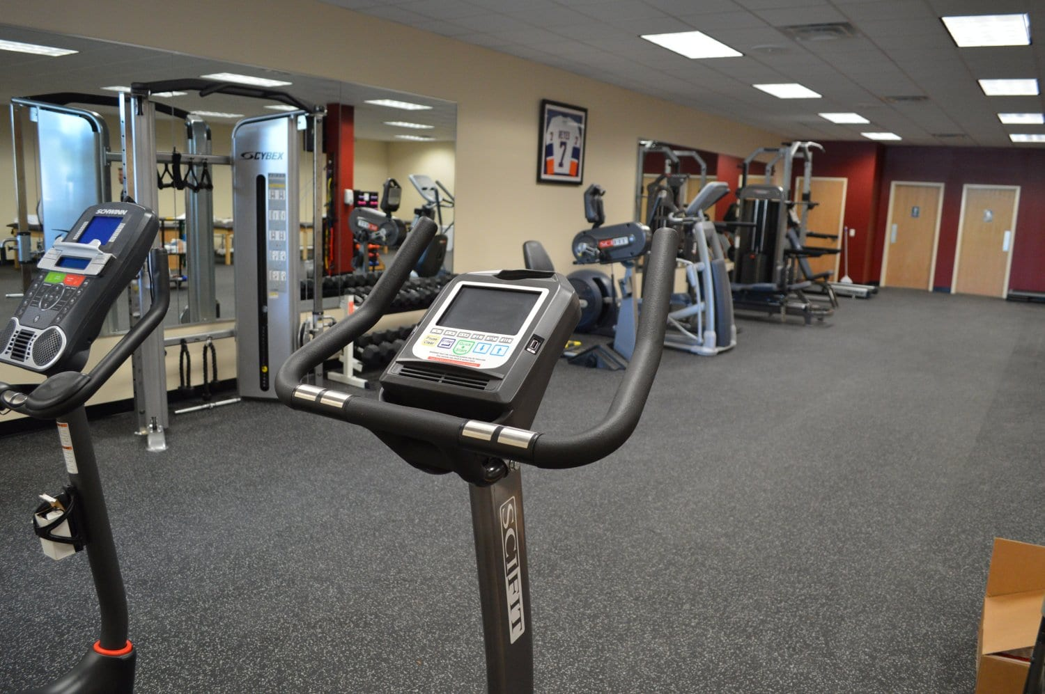 This is an image of our well maintained training area at our physical therapy clinic in Baldwin, New York.