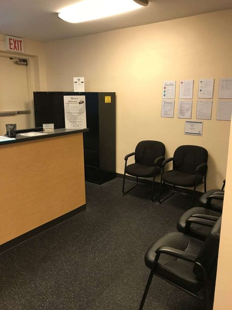 An image of the waiting area for our patients at our physical therapy clinic in Madison Avenue, New York in Manhattan at Midtown East.