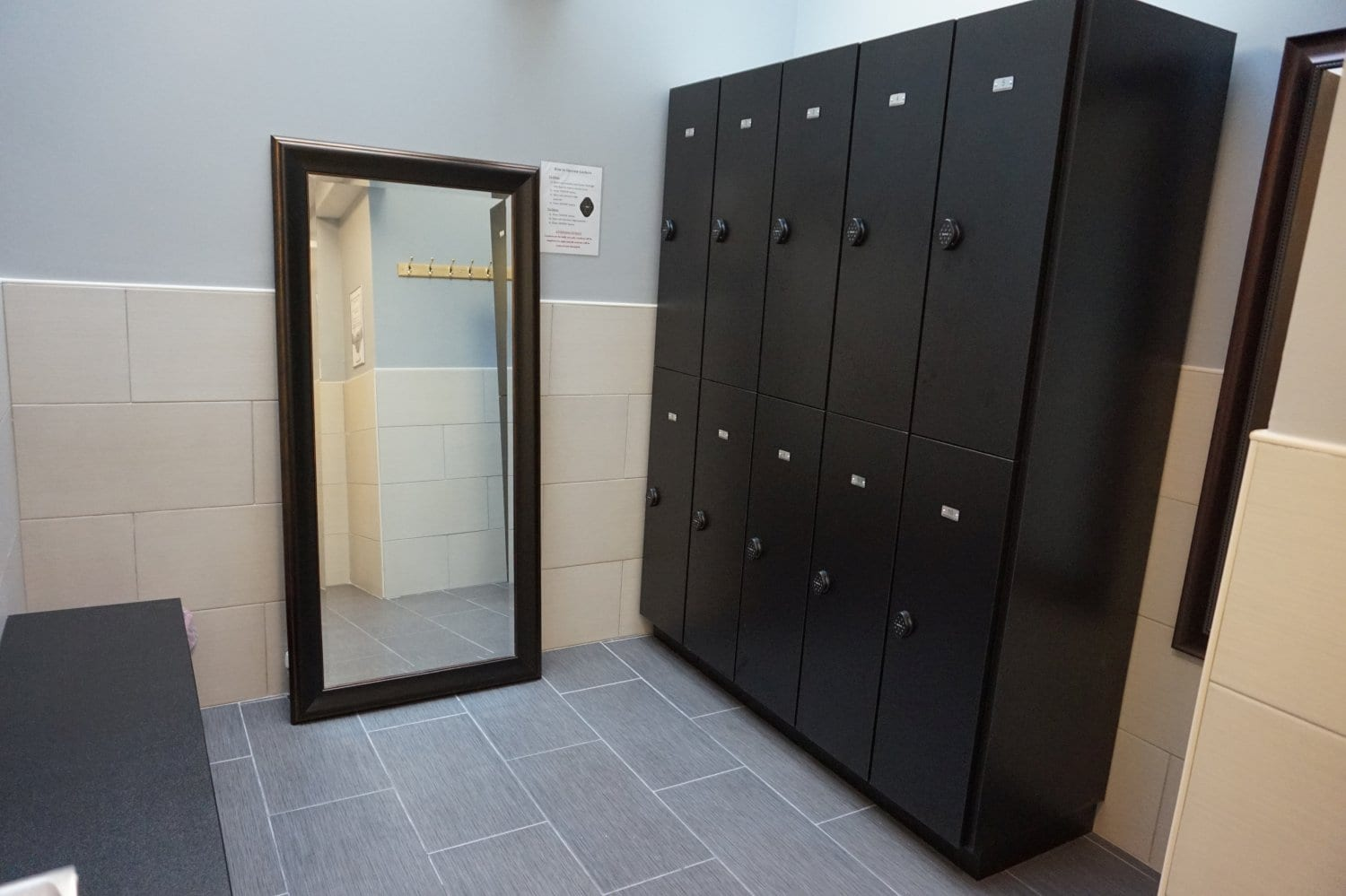 An image of the locker room at our physical therapy clinic in Manhattan, New York City, at upper east side on 77th st.