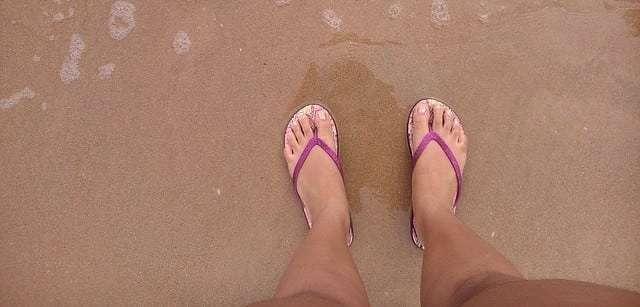 flip-flops-420834_640