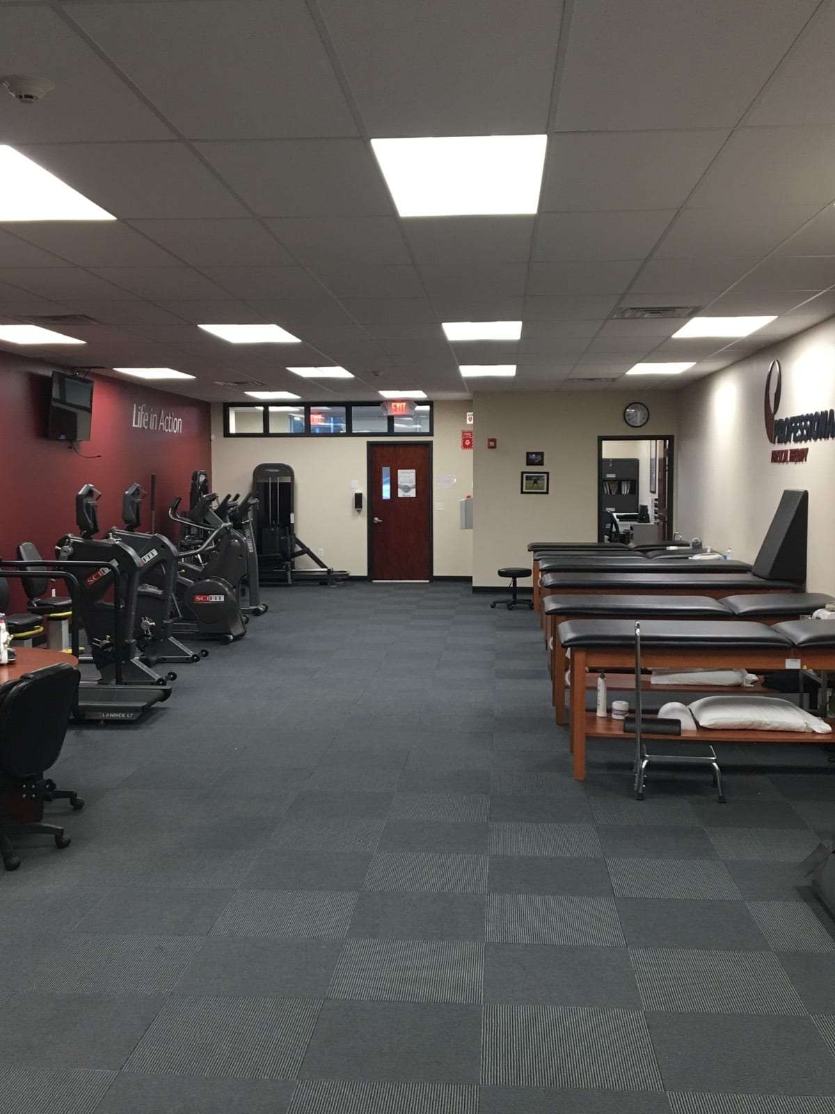 An image of the interior of our physical therapy clinic in Pompton Plains, New Jersey.