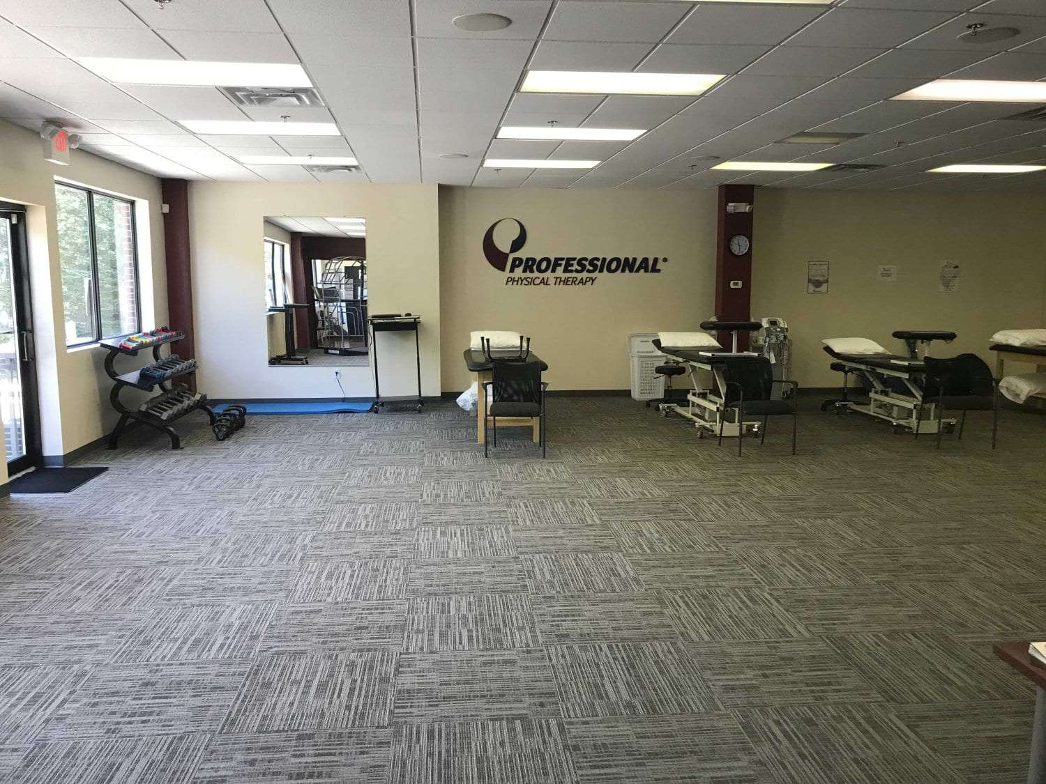 This is a phot of our Ridgefield, Connecticut physical therapy clinic. This is an image of some of the beds used.