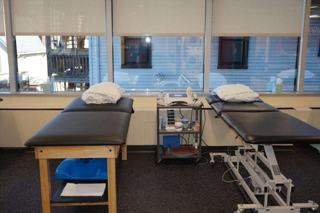 This is a picture of our clean beds at our Stamford, Connecticut physical therapy clinic.