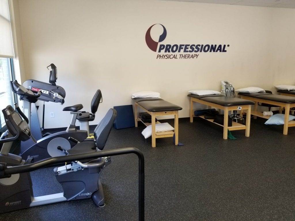 An image of the training room with stretch beds at our physical therapy clinic in Montclair, New Jersey at Bloomfield.