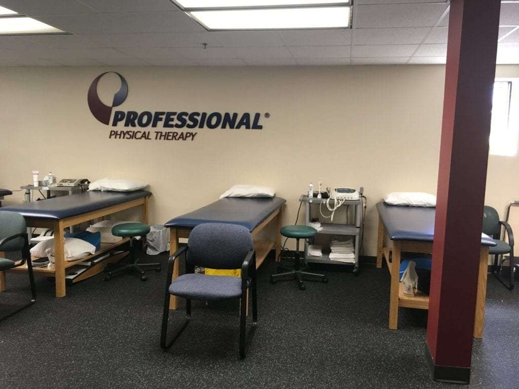 This is a photo of the clean beds at our Waldwick, New Jersey physical therapy clinic.