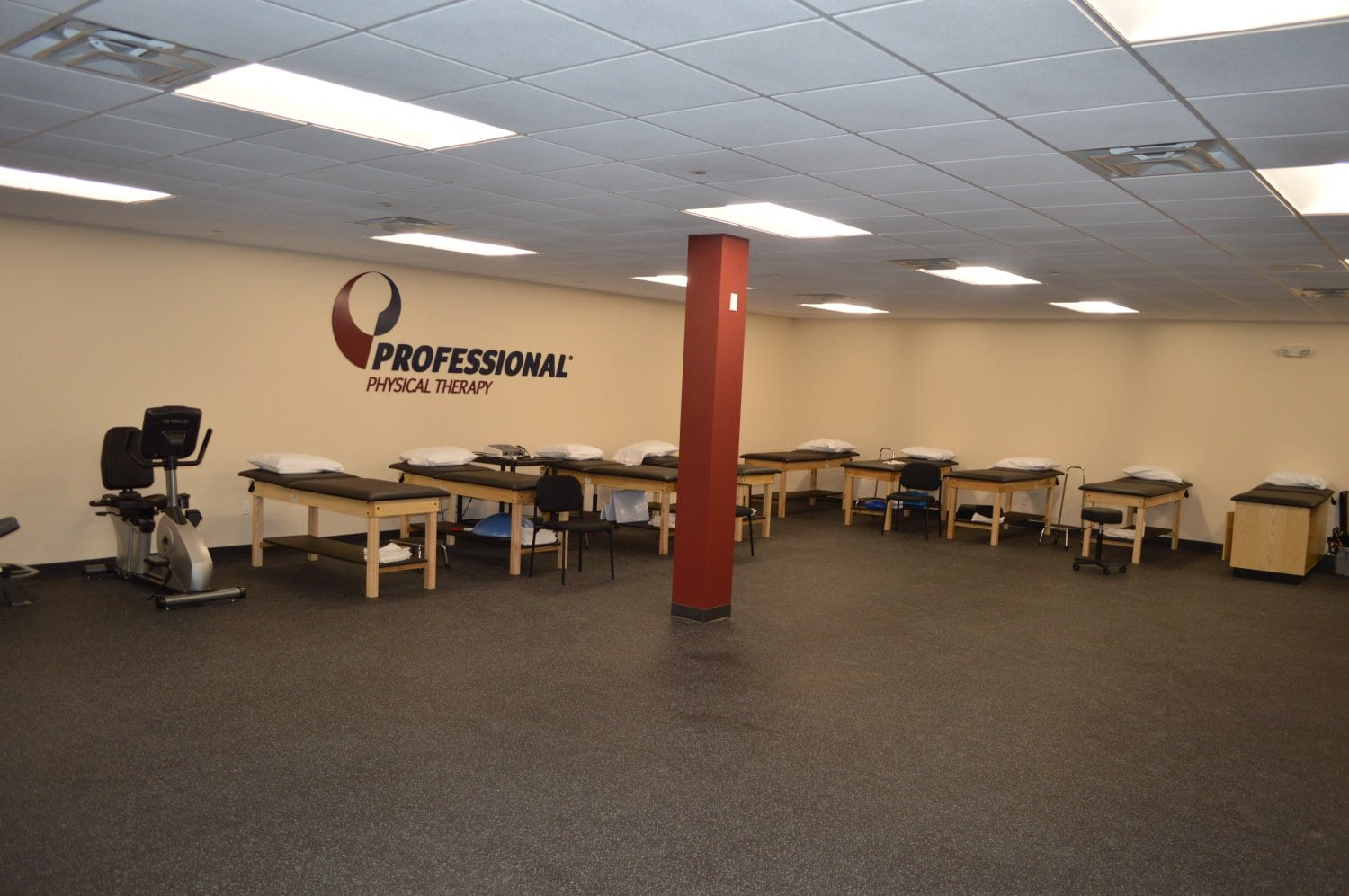 A photo of the interior of our physical therapy clinic in Hauppauge, New York.