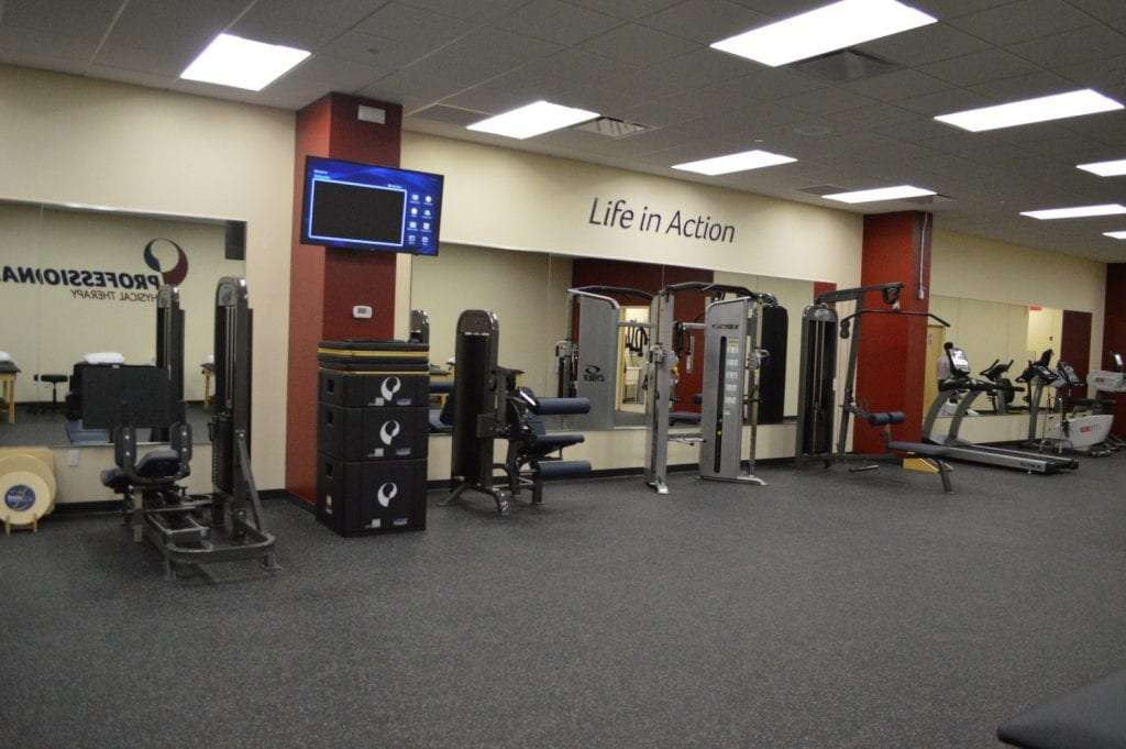 Here is an image of our well maintained physical therapy clinic in Glendale, New York.