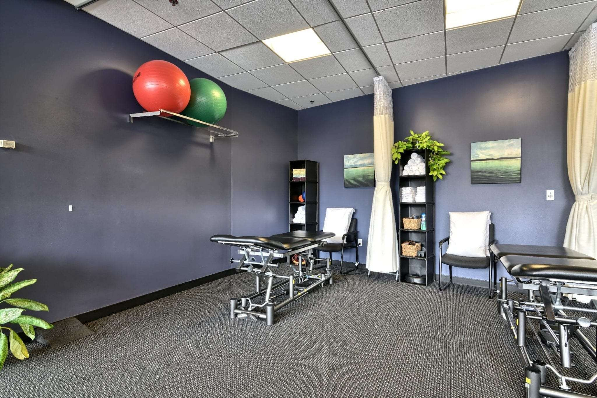 An image of two stretch beds and two exercise balls at our physical therapy clinic in Boston, Massachusetts.