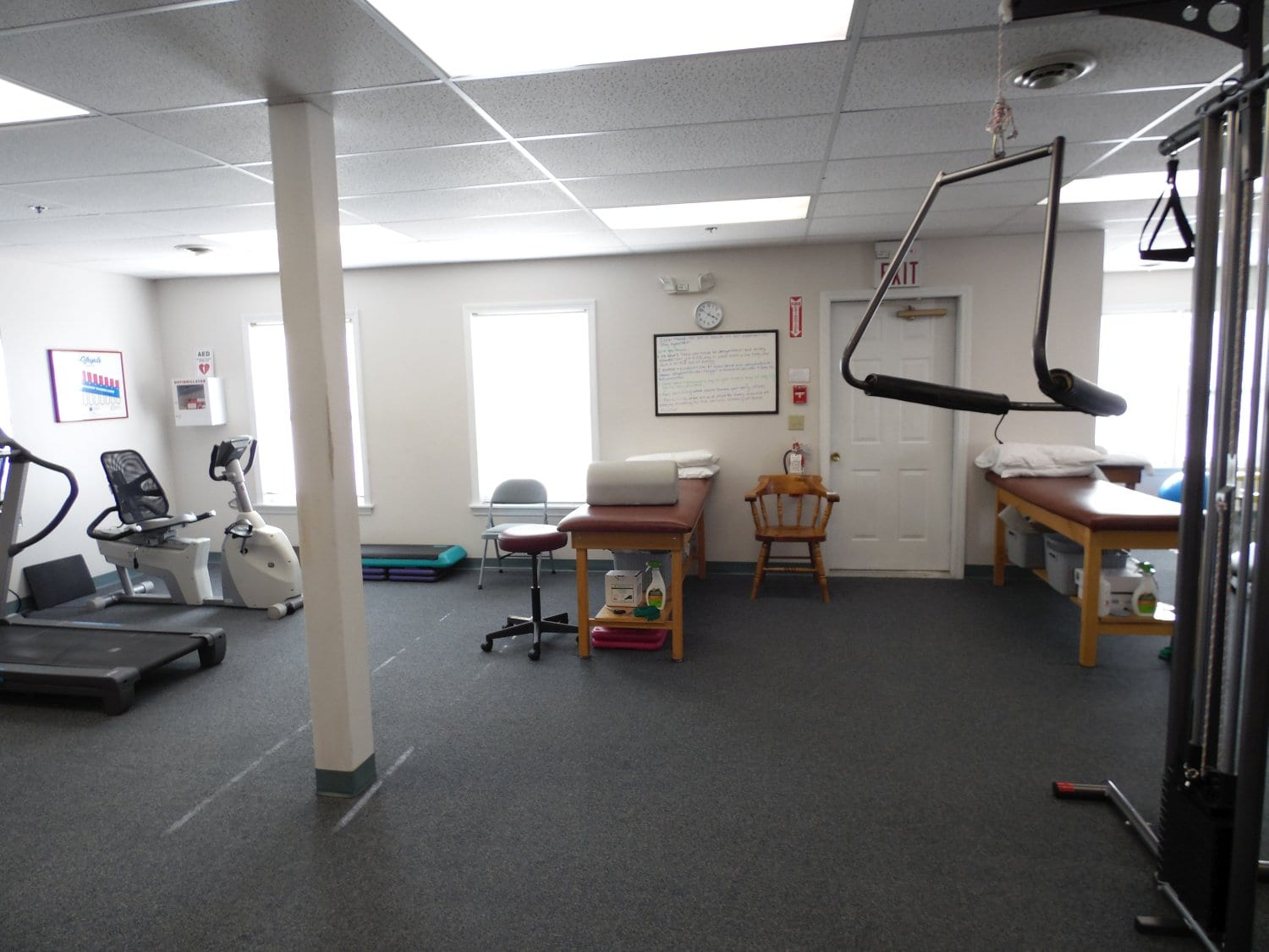 An image of a stretch bed and equipment at our physical therapy clinic in Exeter, New Hampshire.