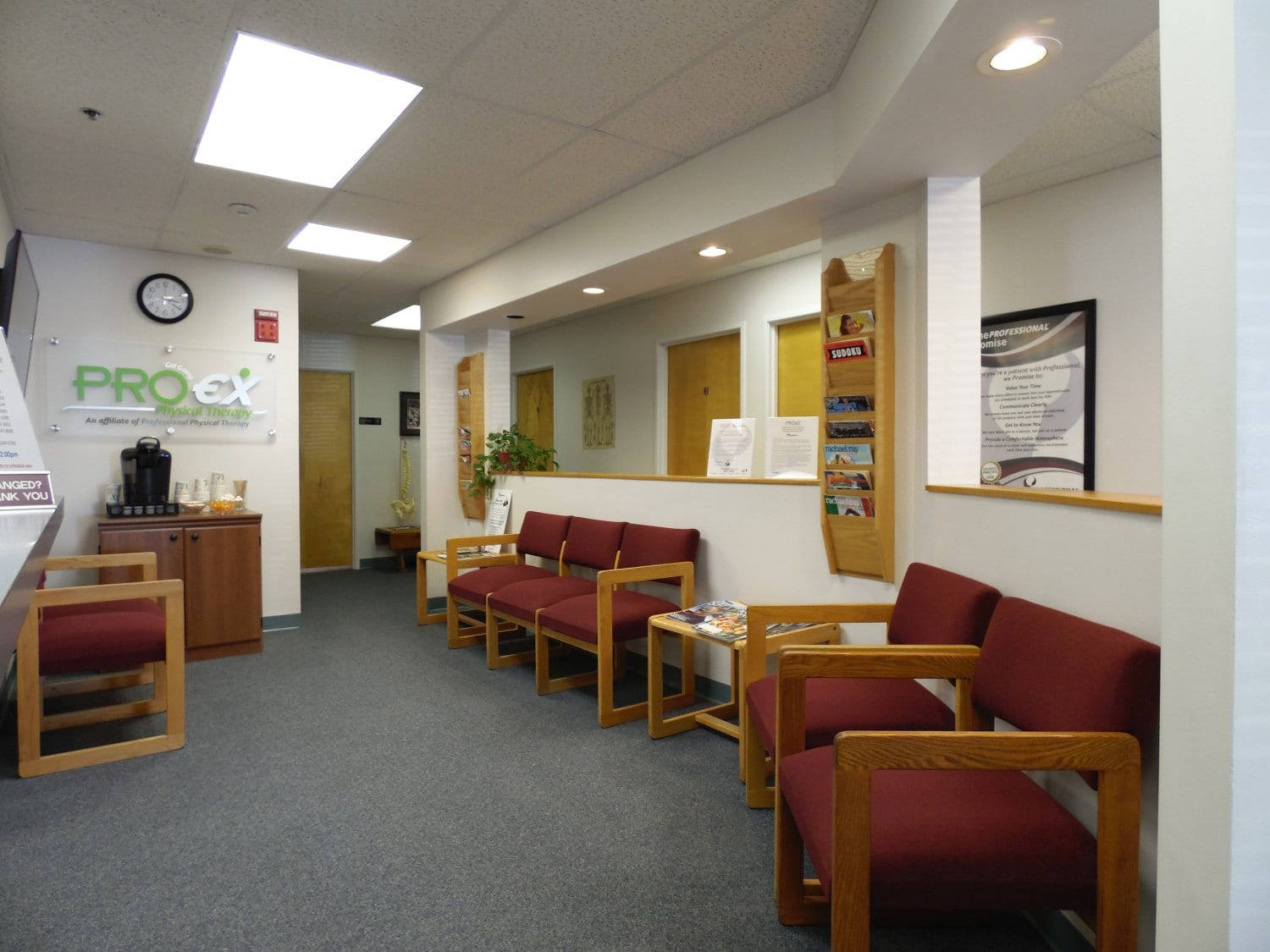 An image of the patient waiting area at our physical therapy clinic in Exeter, New Hampshire.