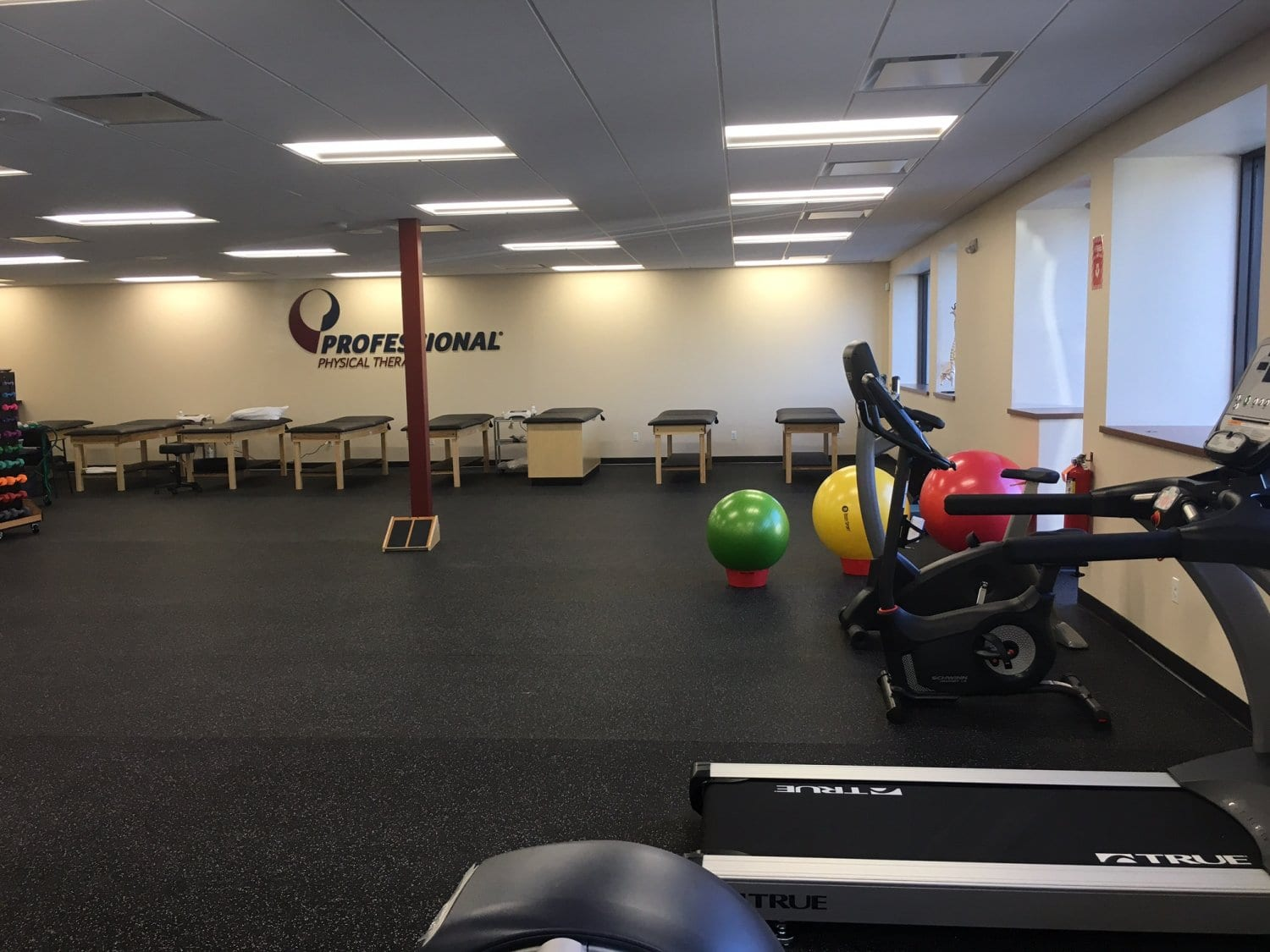 Here is a photo of our clean training room for physical & hand therapy at our clinic in Hewlett, New York.