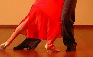 dancing-dance-ballroom-elegance-929818