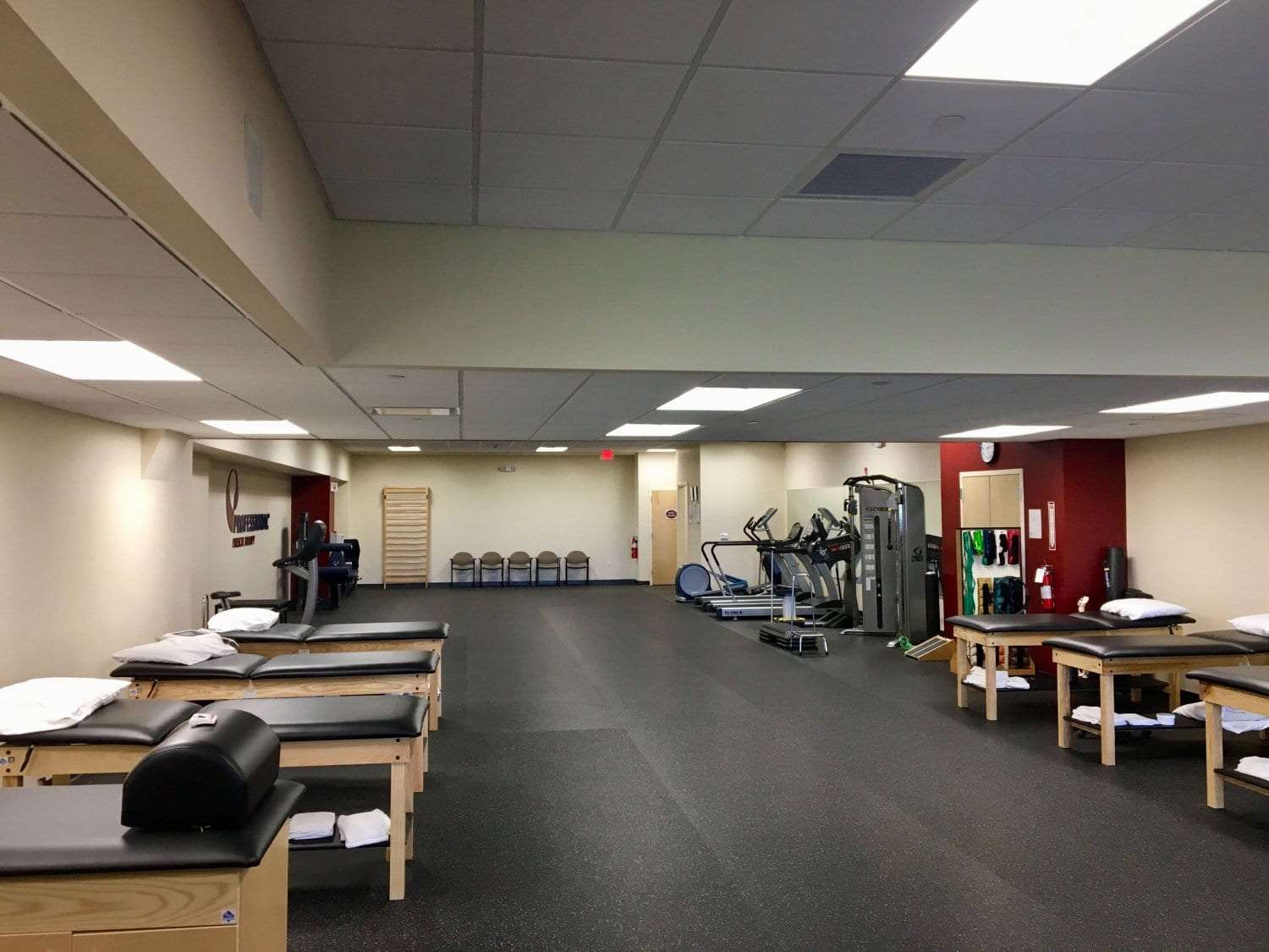 An image of the interior of our physical therapy clinic in Morristown, New Jersey at Headquarters Plaza.