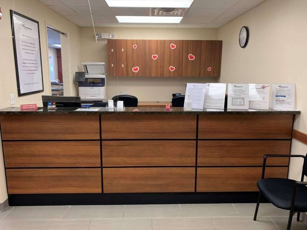 Front desk and waiting area at our Westfield, NJ PT Clinic.