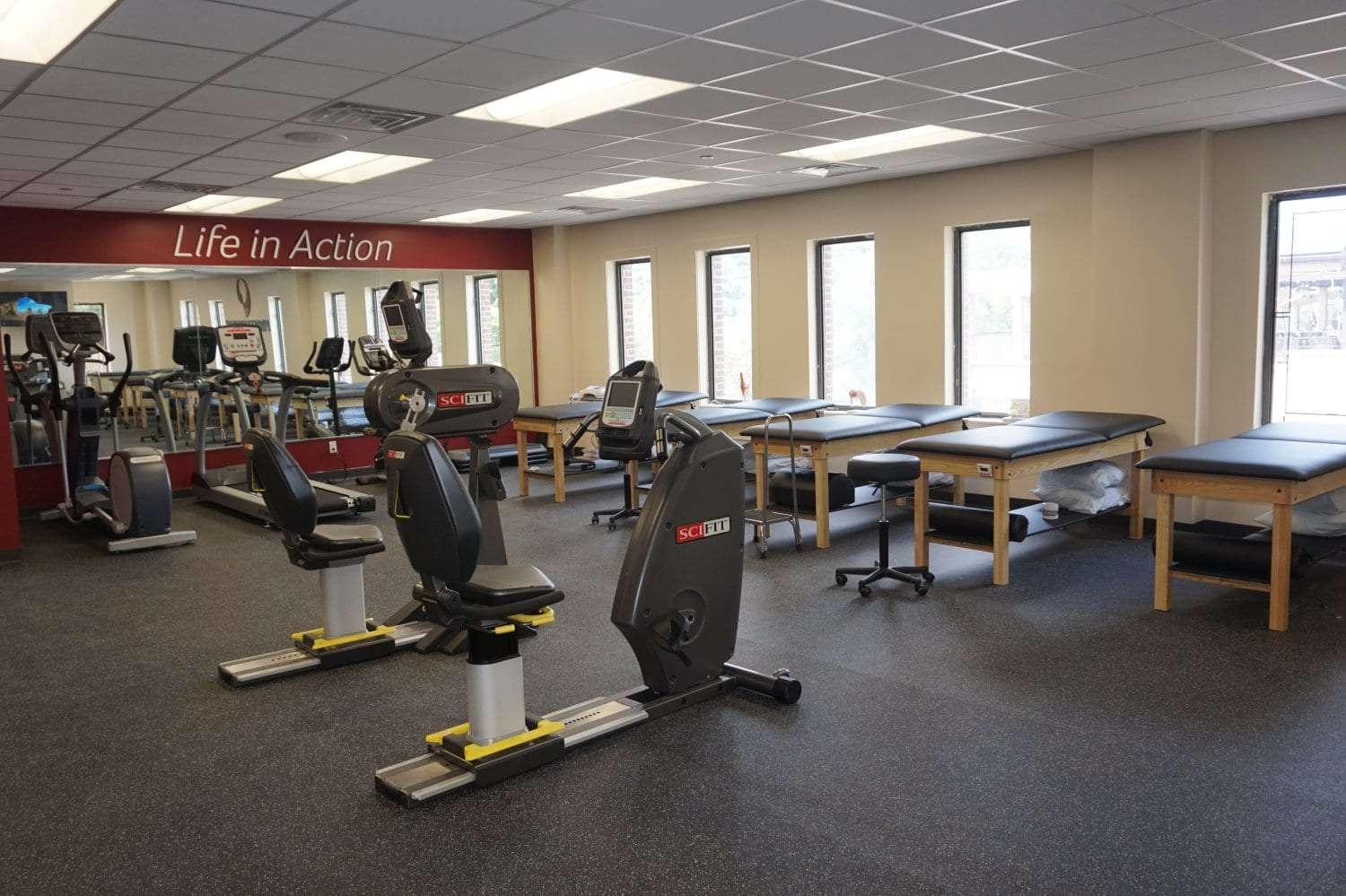 Here is an image of stretch beds and equipment at our physical therapy clinic in Mount Vernon, NY in Fleetwood.