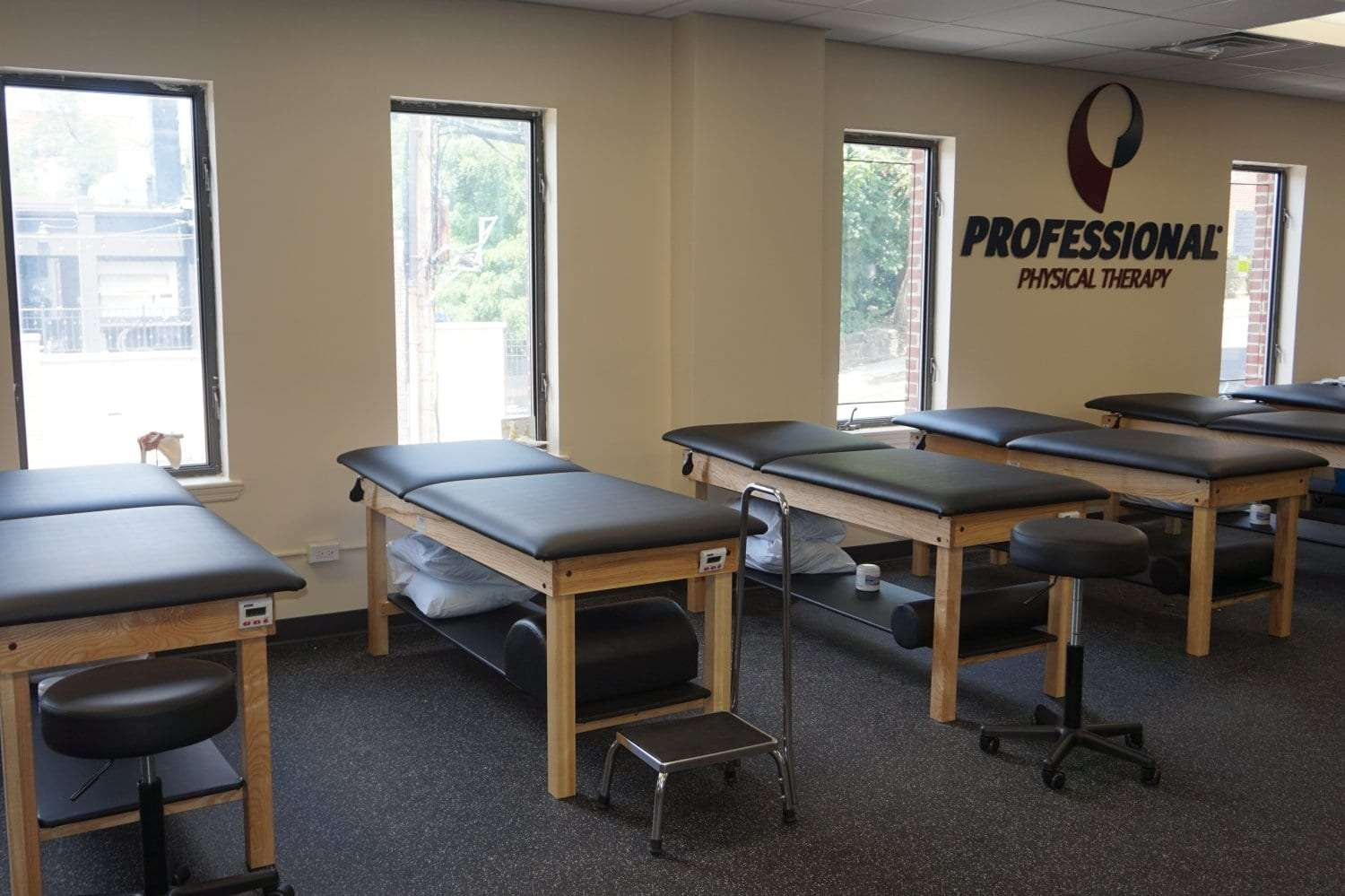 This is a photo of the inside of our physical therapy clinic in Mount Vernon, New York at Fleetwood.